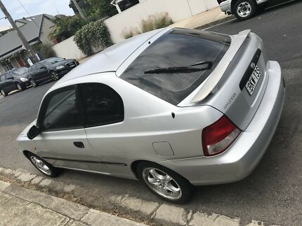 Hyundai Accent 2000 model for sale!