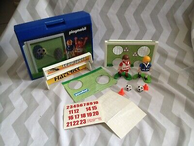 Playmobil 4701 Shoot along carry case Football (will combine p&p where i can)