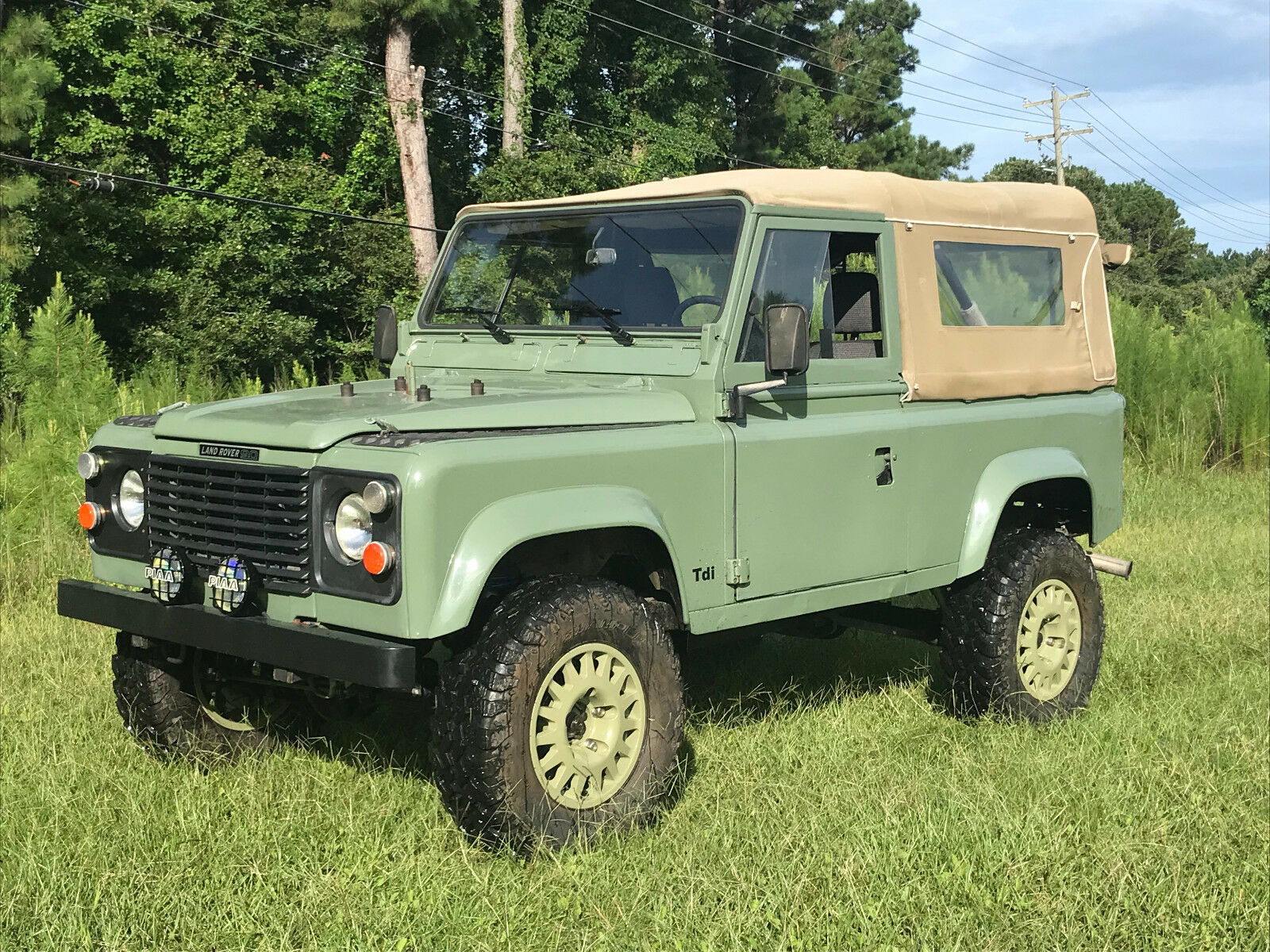 1986 Land Rover Defender  LHD defender 90 soft top, 200tdi diesel, Very clean truck, in heritage colors