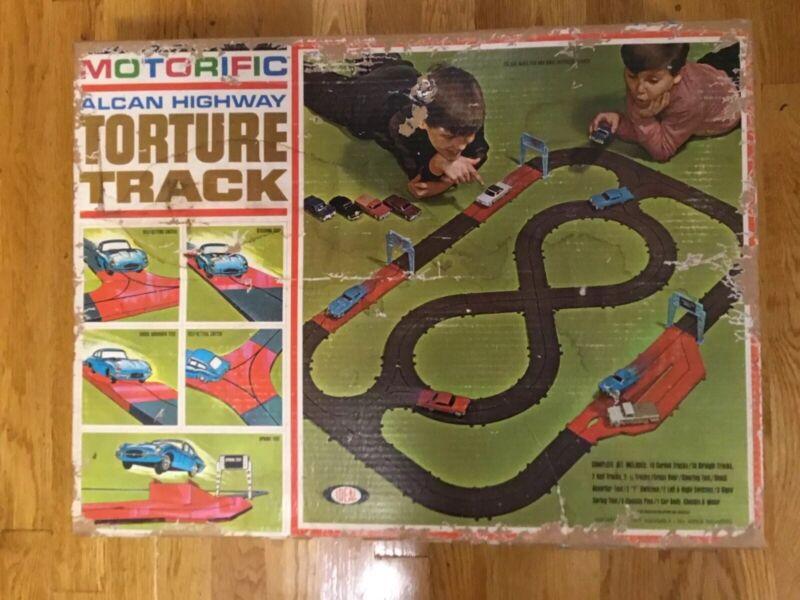 Ideal Motorific Alcan Highway slot car Track Set
