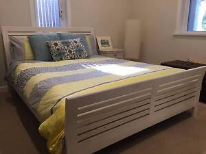 Solid wood queen size bed in great condition + mattress Dover Heights Eastern Suburbs Preview