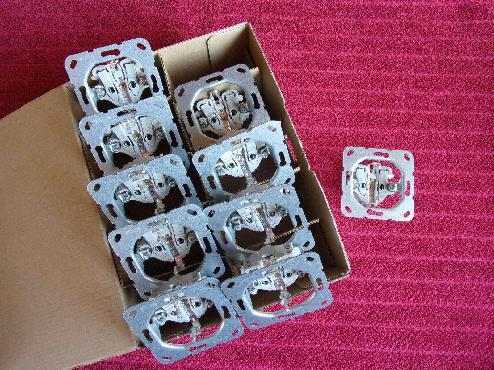 10x GIRA SCHUKO-Steckdosen Unterteile *NEU* und *OVP*