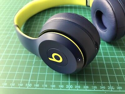 Beats by Dr. Dre Beats Solo3 Headband Wireless Headphones - Pop Collection