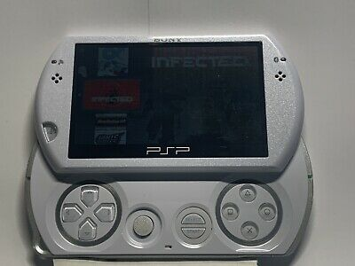 Sony PSP Go 16GB Pearl White Console with Charger cable, and Soft Pouch