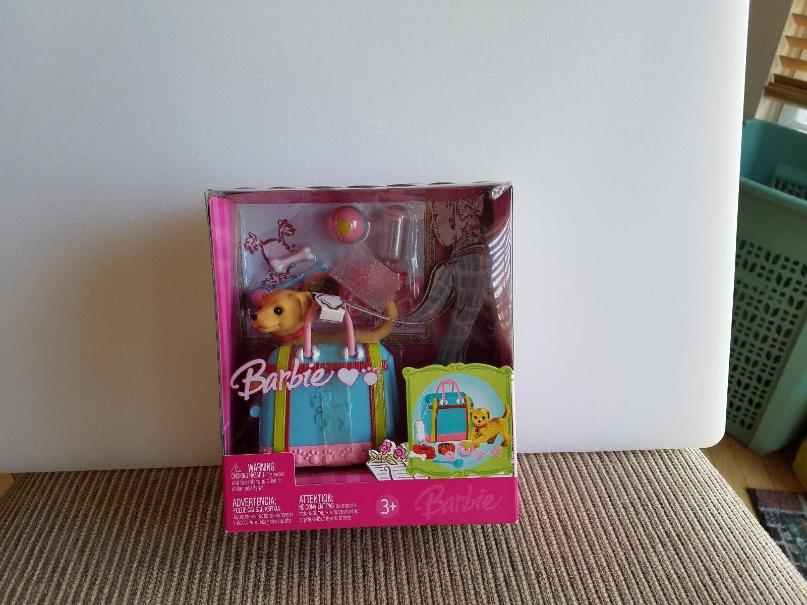 BARBIE CHIC DOG CARRIER WITH DOG AND ACCESSORIES 2006 NEW