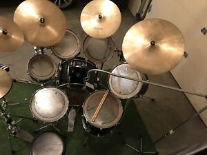 7 PCE PEARL DRUMS & CASES