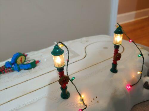 TRENDMASTERS THE MAGIC of  MAINSTREET  LIGHT-UP LAMP POST