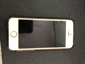 Unlocked IPhone  5S, 16gb for Sale