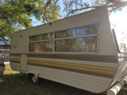 Millard 19ft triple bunk caravan