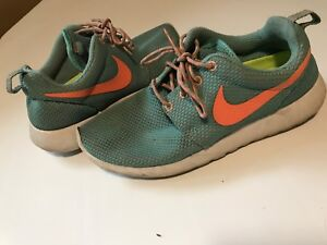 NIKE ROSHES size 7 womans teal
