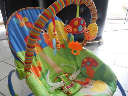 Baby rocker/bouncer with vibration - Parental lifesaver!