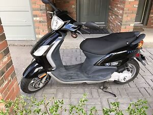 Vespa Piaggio Fly 150 very low kms