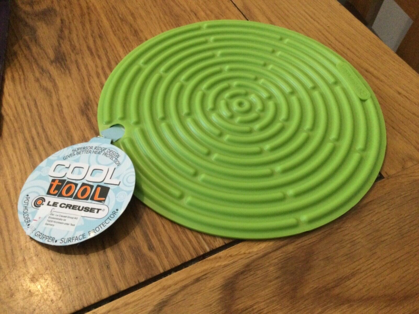 """LE CREUSET 'COOL TOOL' silicon trevit / gripper 8"""" lime green free postage"""