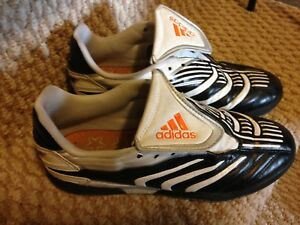 Size 6 Adidas indoor soccer shoes