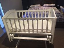 Cradle bassinet Burleigh Waters Gold Coast South Preview