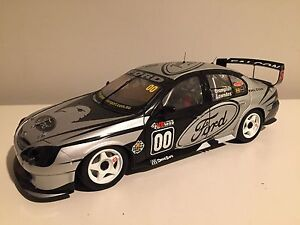 Diecaat 1:18 Craig Lowndes 2001 Ford Falcon AU Manning South Perth Area Preview