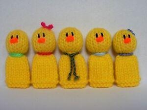 5 Little Ducks - Hand Knitted Finger Puppet Toys / Animals / Birds - NEW