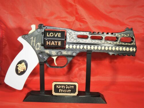 3D Printed Harley Quinn Cosplay Prop Gun Painted,Assembled with Stand