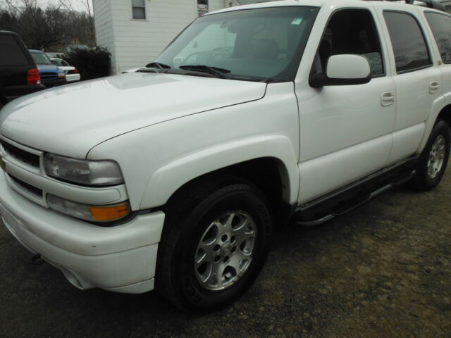 2001 chevrolet tahoe z71 with powermoonroof airconditioning 8cylinder used. Black Bedroom Furniture Sets. Home Design Ideas