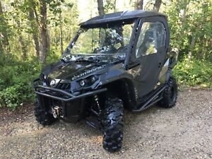 2013 can-am Commander 1000 X side X side
