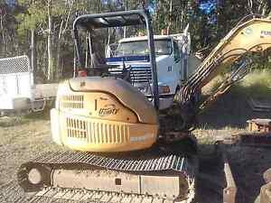 5 ton digger 02 North Maclean Logan Area Preview