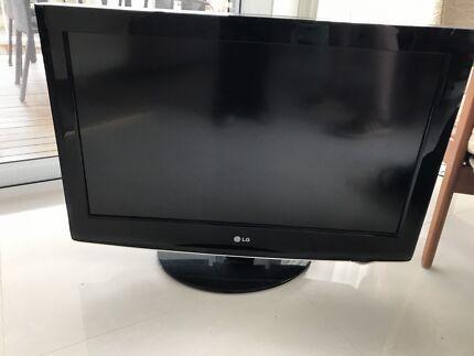 32 inch LG HD TV