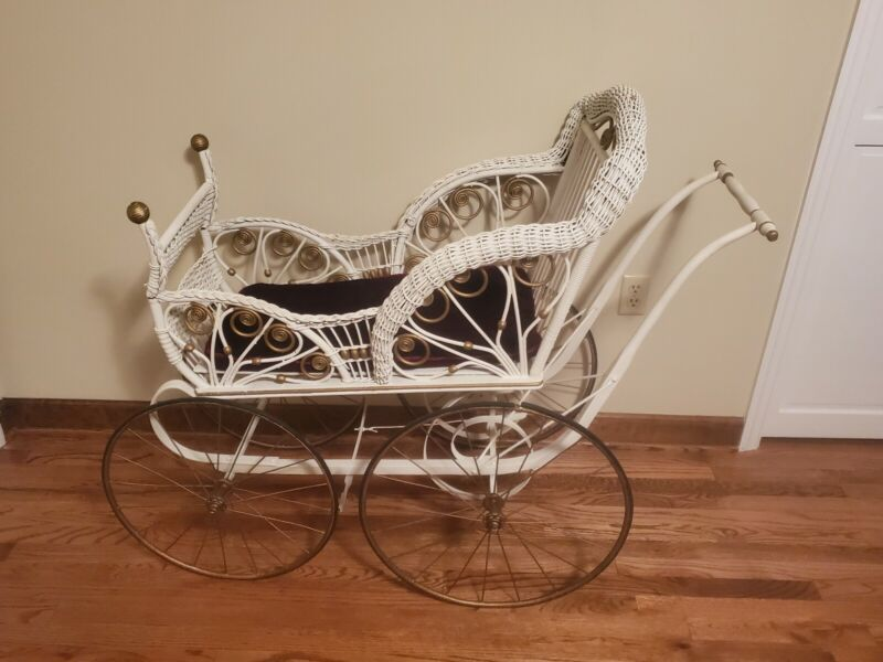 Vintage Victorian Wicker Baby or Doll Carriage & Stroller with Spring action