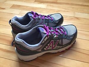 Women's New Balance Size 8.5 Sneakers