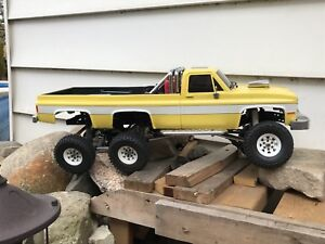 Rc one of kind Chevy 6x6 scale crawler