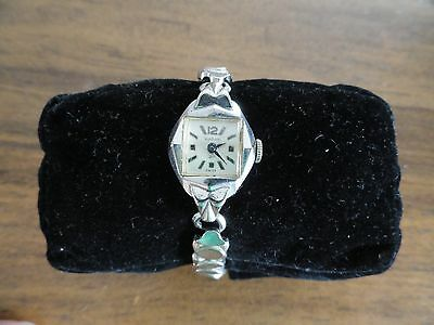 Vintage Swiss Made 21 Jewels Waltham Wind Up Ladies Watch