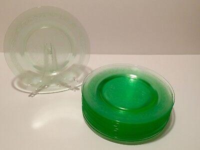 VINTAGE 12pc SET MACBETH EVANS GREEN LEAF BAND DEPRESSION GLASS PLATES