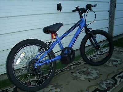 """BOYS  BIKE 6 SPEED  EXCELLENT COND.VERY SELDOM USED 18"""" WHEELS SUIT   6 - 9 YRS."""