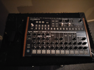 Arturia Drumbrute Analog Drum Synthesizer Oak Park Moreland Area Preview