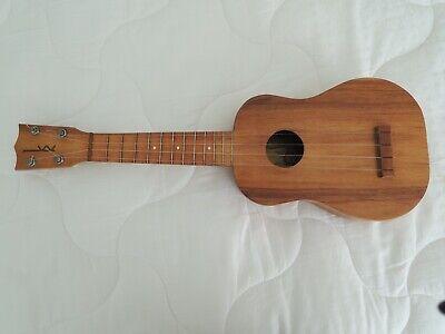 kamaka soprano ukulele gold label all solid koa wood.