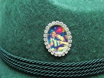 Old Time Sweethearts Oktoberfest Hat Pin