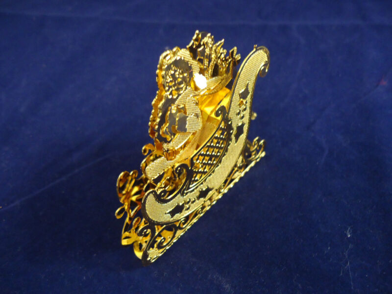 Beautiful Vintage 3D Dimensional Gold Plated Santa with Sleigh Ornament #8323
