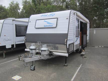 2013 BLUE SKY CARAVAN IN EXCELLENT CONDITION