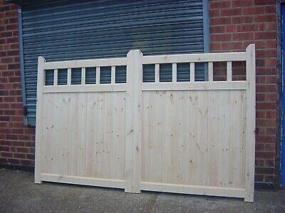 Cottage style drive gates (50/50 split)  7ft x 4ft Ref:- Simon