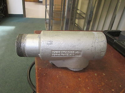 Crouse-hinds Explosion Proof Sealoff Conduit Fitting Eys61 2 Used