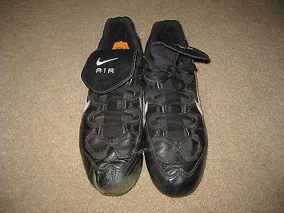 aa7b2fcad30201 Greg Maddux Nike Game Worn Signed Cleats Atlanta Braves HOF Shoes