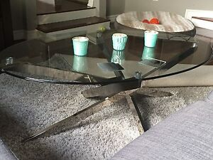 Coffee table + matching  side stand for sale