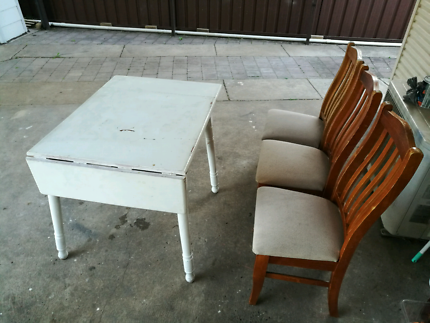 Table Chairs Free