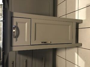 Kitchen cabinet for storage or centre counter