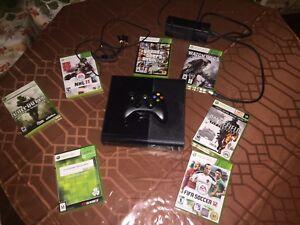 XBOX 360 avec 7 Jeux ( GTA V, Watch Dogs,etc..)