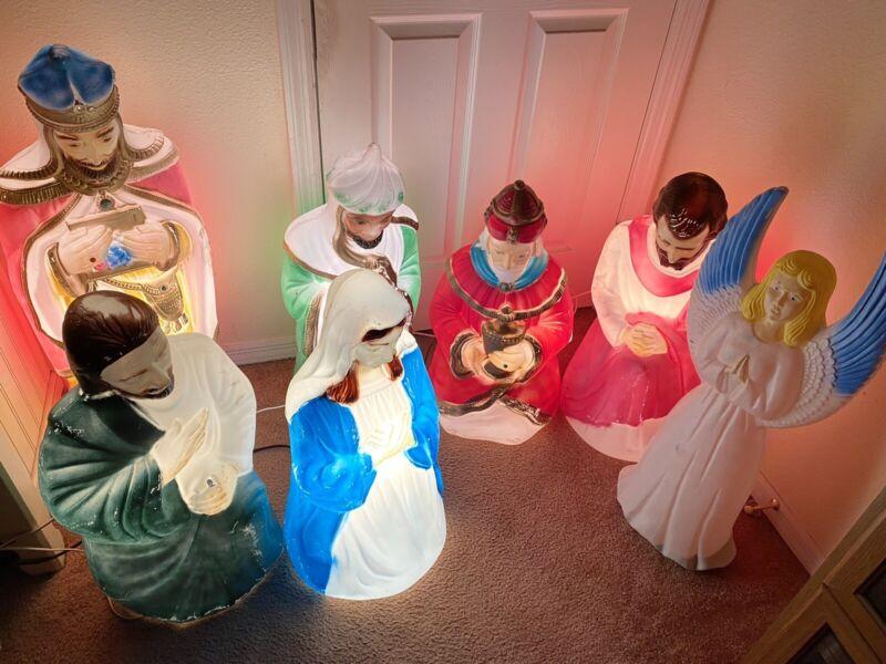 Vintage Blow Mold Nativity Scene Mary,Joseph,  3 Wisemen ,Shepherd, And Angel