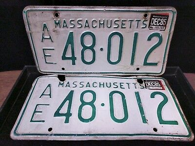 1 set/Pair of MA License Plates AE 48-012 Vintage VIN/EXP 1985