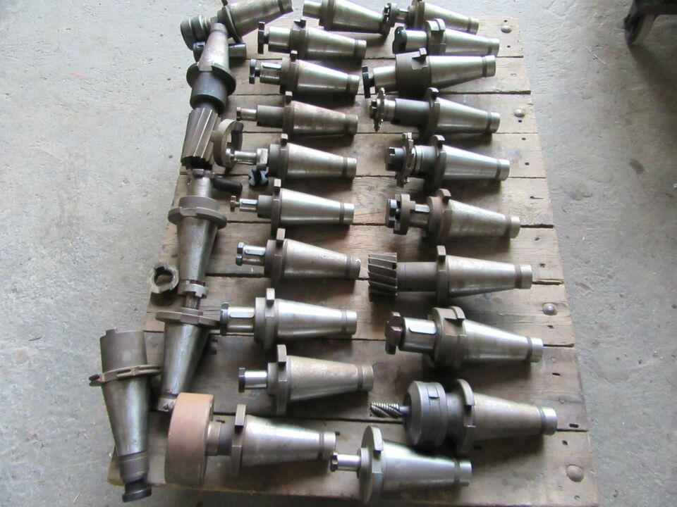 Konvolut Werkzeugaufnahmen SK50 Fräsmaschine Fräseraufnahme in Stolpen