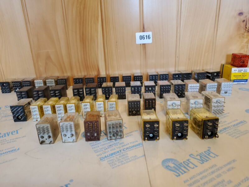 Large lot 50 + relays omron MY3 TELEMECANIQUE RH1B-U MY4 70R4 R10-E1Y4-V700 TYCO