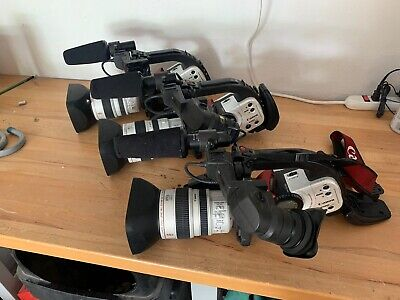 3 Canon XL1 Camcorders and Extras