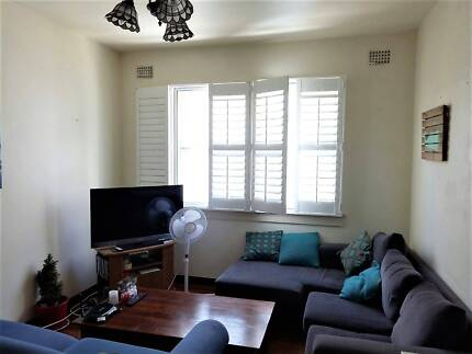 BEAUTIFUL ROOM IN A LARGE 2 Bedroom Fully furnished in BONDI